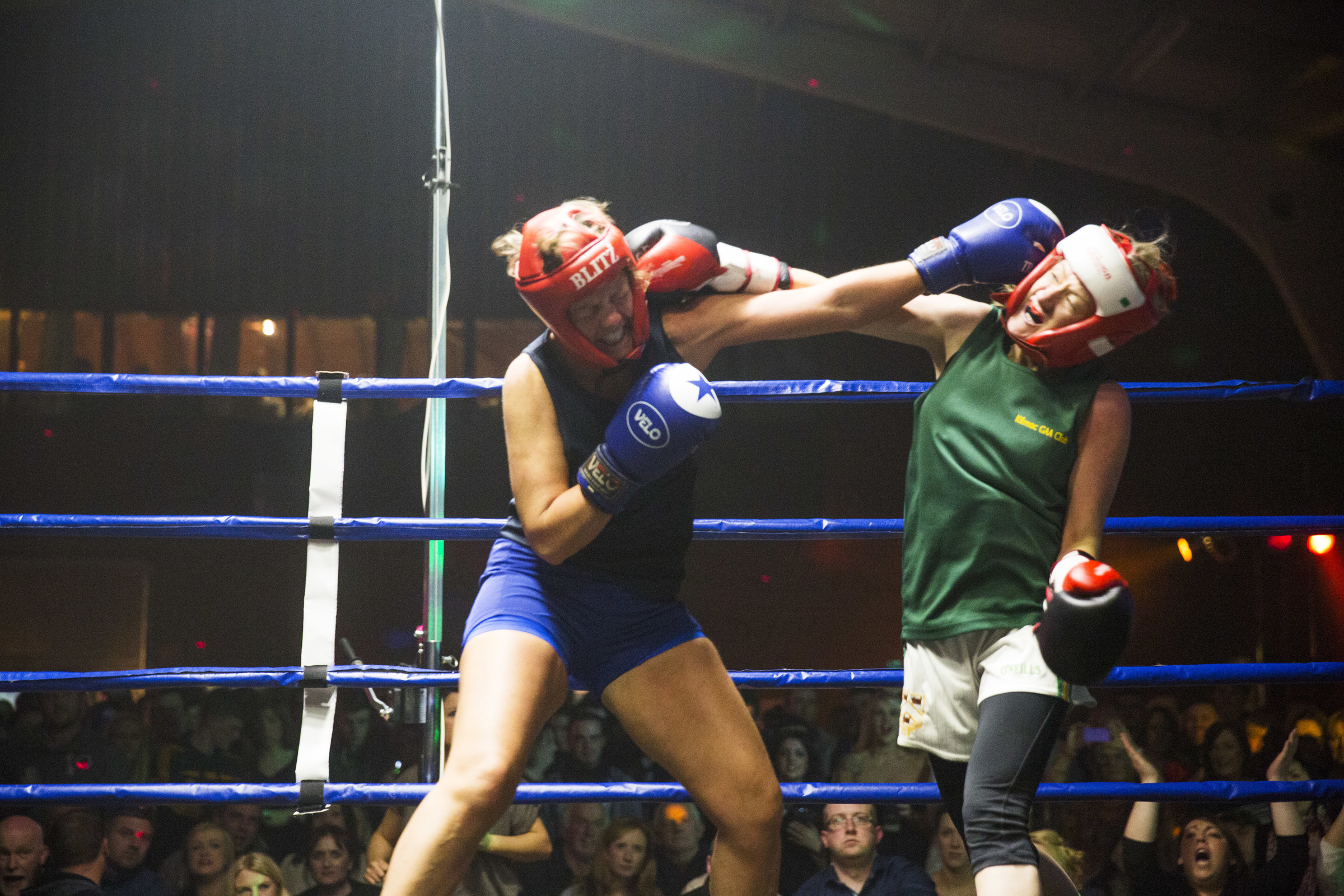 Mandy Halligan vs Laura MurrayPic : Angela Halpin